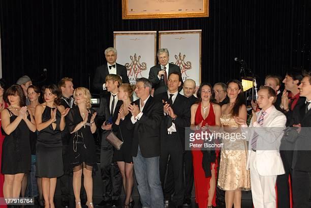 Theaterintendant Hans-Joachim Frey , Jens Böhrnsen , Oliver Heim , Schauspieler und Schauspielerinnen des Musicals, Premieren-Party zur...