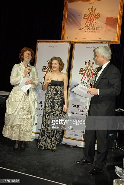 Theaterintendant HansJoachim Frey Roberta Valentini Name auf Wunsch PremierenParty zur EuropaPremiere von dem Musical Marie Antoinette Theater am...