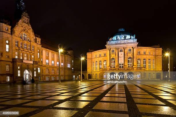 Theaterplatz und Kunstsammlungen Chemnitz bei Nacht