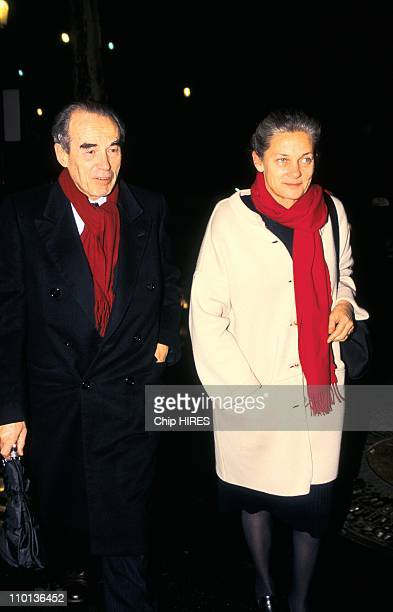 Theatre 'Master Class' in Paris France on December 02 1996 Robert and Elisabeth Badinter