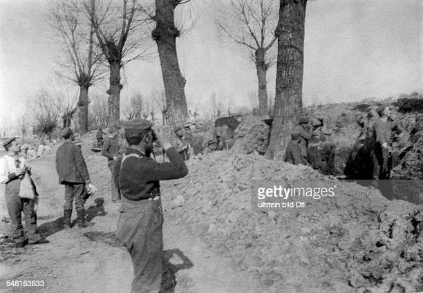 1WW Theatre of war western front Flanders German engineer troops expanding field positions no further information oct 1914