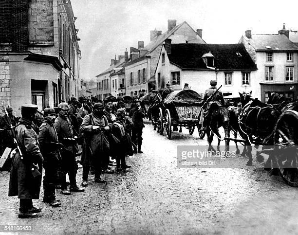 1WW Theatre of war western front German supplies transport passing Neufchatel on its way to the front positions near Craonne october 1914