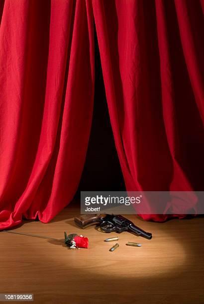 teatro palco com arma e rose - spotlight filme - fotografias e filmes do acervo