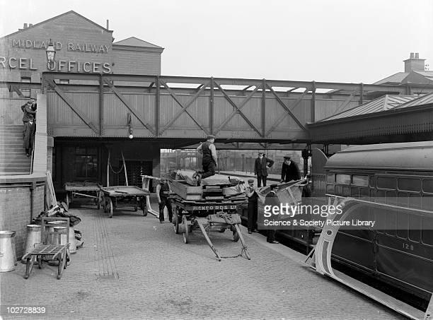 Theatrical train at Nottingham unloading scenery 9th April 1910 9 April 1910