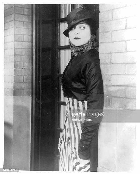 Theda Bara in a scene from the film 'A Fool There Was' 1915