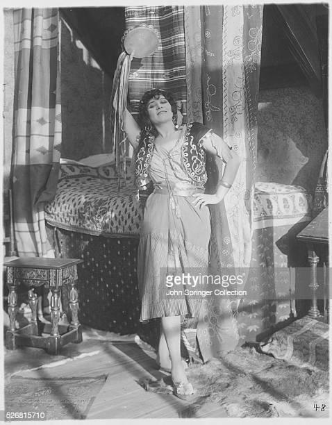 Theda Bara plays Esmeralda in The Darling of Paris the 1917 film adaptation of Hugo's The Hunchback of Notre Dame | Version of 'The Hunchback of...