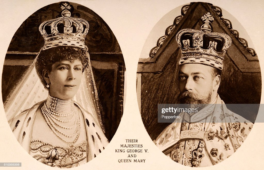 King George V And Queen Mary - Coronation : News Photo