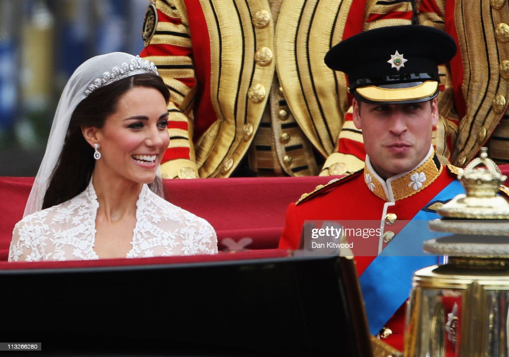 Royal Wedding - Carriage Procession To Buckingham Palace And Departures : ニュース写真