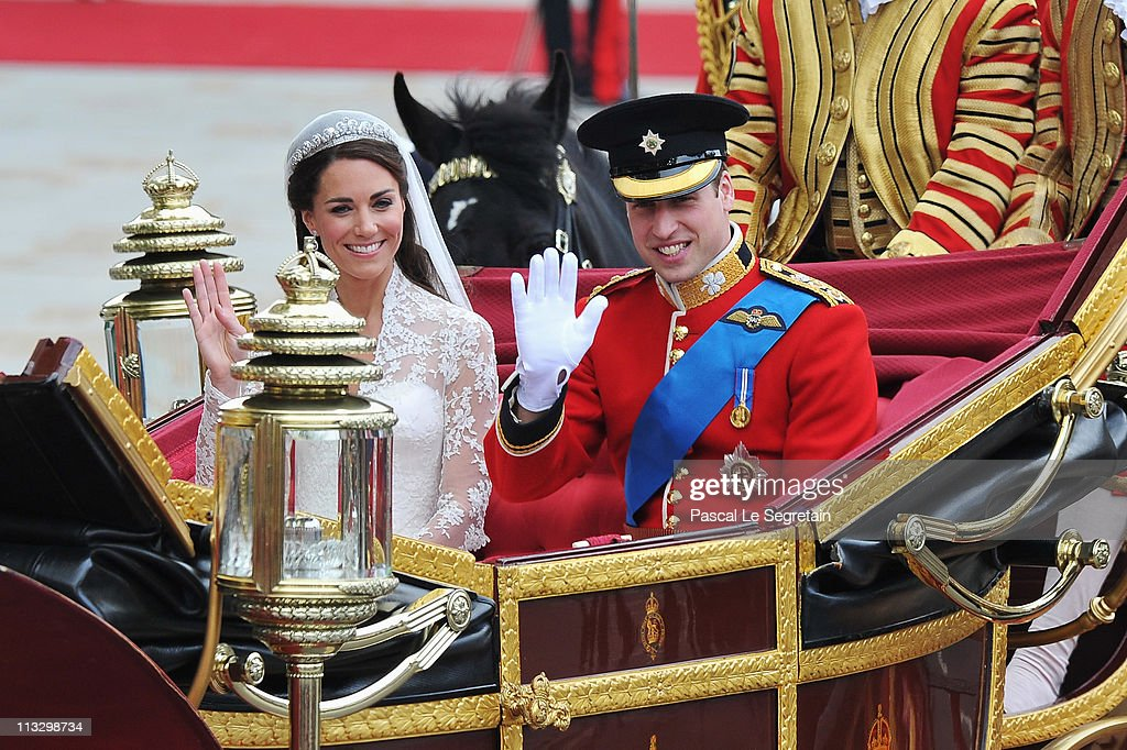 Royal Wedding - Carriage Procession To Buckingham Palace And Departures : Nieuwsfoto's