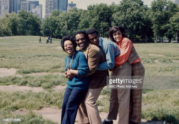 Thelma Carpenter Nipsey Russell Scoey Mitchell Tracy Reed appearing in the Walt Disney Television via Getty Images series 'Barefoot in the Park' in...