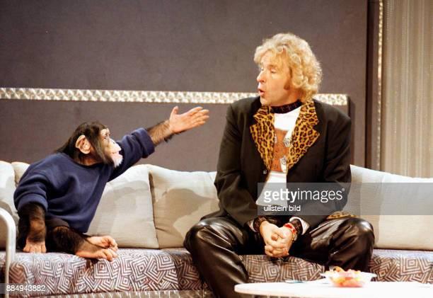 Wetten Dass Thomas Gottschalk mit Schimpanse Charly aus der ZDF Fernsehserie 'Unser Charly'