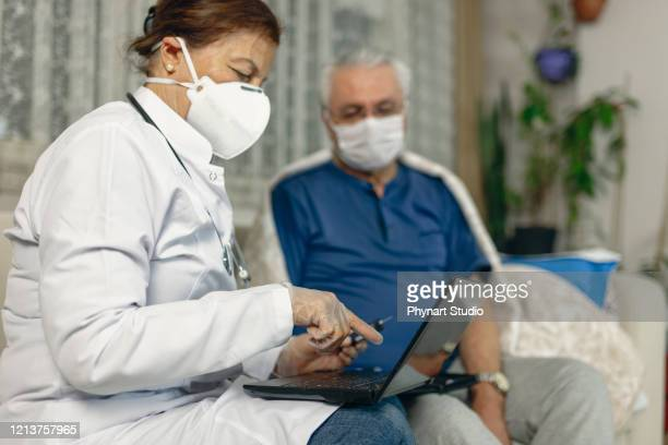 theme diabetes.the man whose glucose was measured by going to the home of healthcare professionals. it uses the technology of an instrument for measuring the level of glucose in the blood - medical test stock pictures, royalty-free photos & images