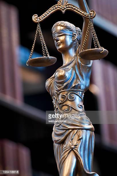 Themis 、法務部門の人々