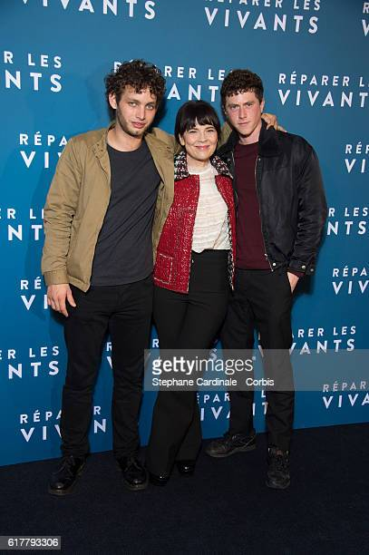 Theo Cholbi Anne Dorval and Finnegan Oldfield attend the 'Reparer Les Vivants' Paris Premiere on October 24 2016 in Paris France