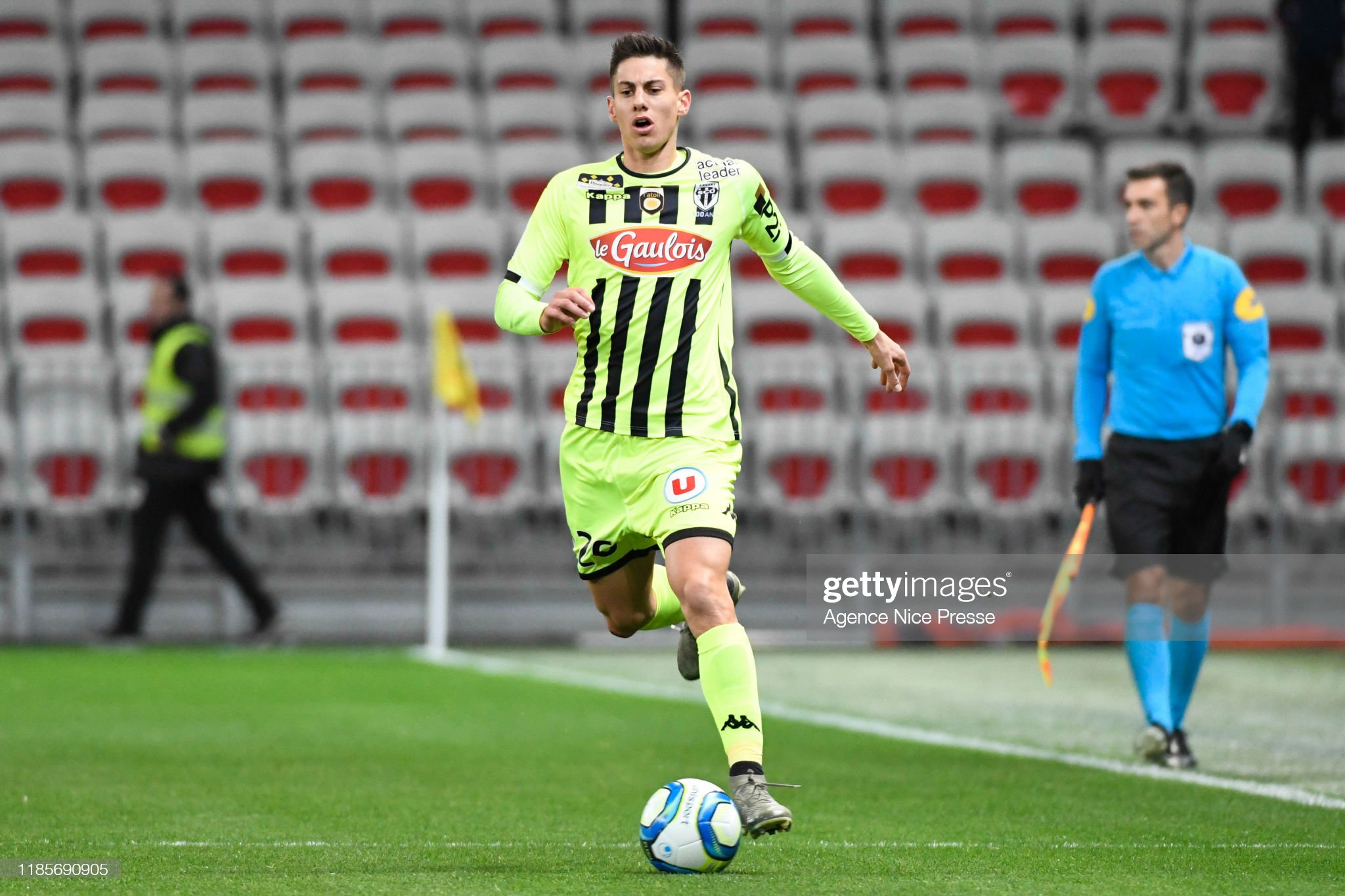 https://media.gettyimages.com/photos/theo-pellenard-of-angers-during-the-ligue-1-match-between-nice-and-picture-id1185690905?s=2048x2048