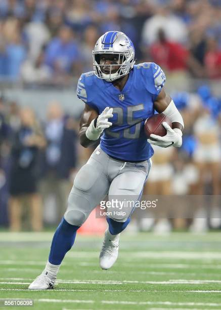 Theo Riddick of the Detroit Lions runs for a first down during the fourth quarter of the game against the Atlanta Falcons at Ford Field on September...