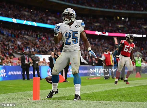 Theo Riddick of the Detroit Lions scores a touchdown in the fourth quarter during the NFL match between Detroit Lions and Atlanta Falcons at Wembley...