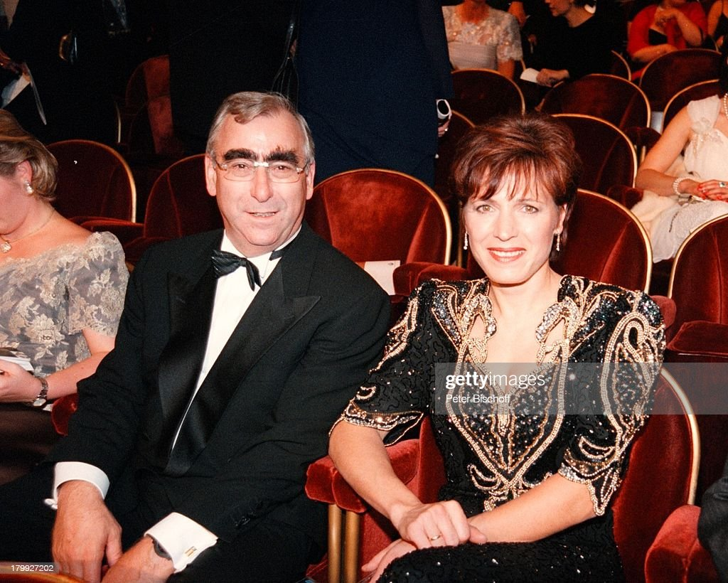 Theo Waigel Mit Ehefrau Irene Epple Europahilfe Fur Kinder Benefiz News Photo Getty Images