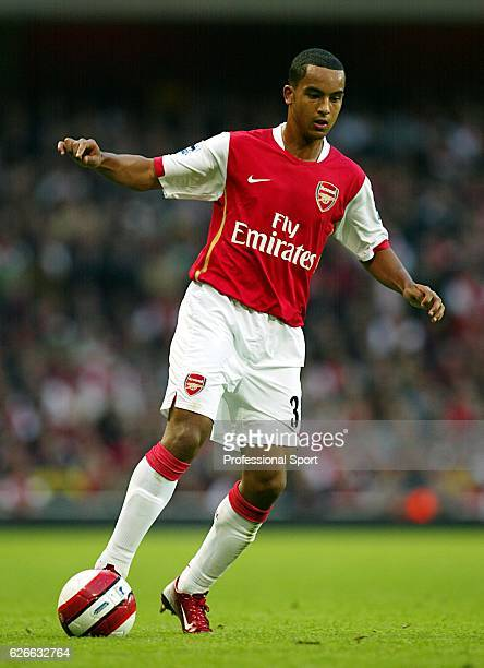 Theo Walcott of Arsenal in action during the Barclays Premiership match between Arsenal and Everton at The Emirates Stadium on October 28 2006 in...