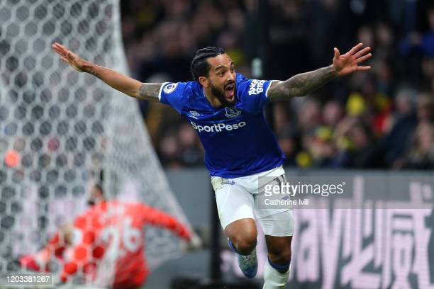 Theo Walcott of Everton celebrates after scoring his team's third goal during the Premier League match between Watford FC and Everton FC at Vicarage...