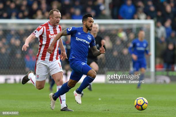 Theo Walcott of Everton on the ball during the Premier League match between Stoke City and Everton at the Bet365 Stadium on March 17 2018 in Stoke...