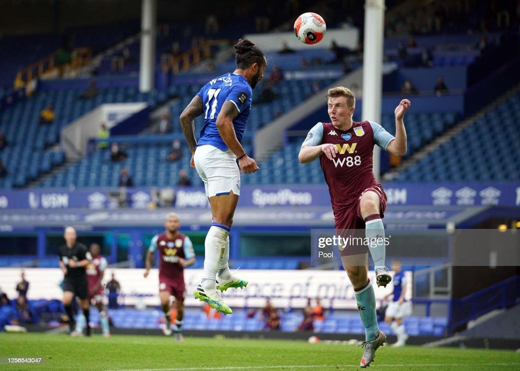 Everton FC v Aston Villa - Premier League : ニュース写真
