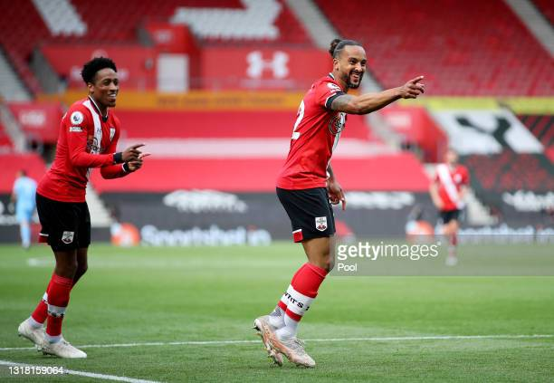 Theo Walcott of Southampton celebrates after scoring their side's third goal during the Premier League match between Southampton and Fulham at St...