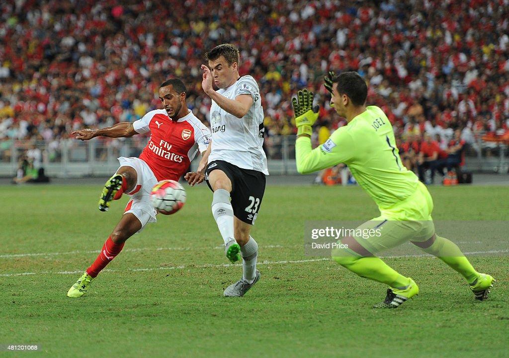 Arsenal v Everton: Barclays Asia Trophy : News Photo