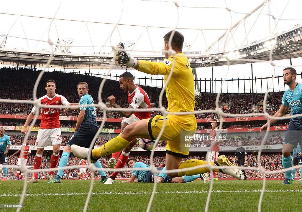 Arsenal v Swansea City - Premier League : Nieuwsfoto's