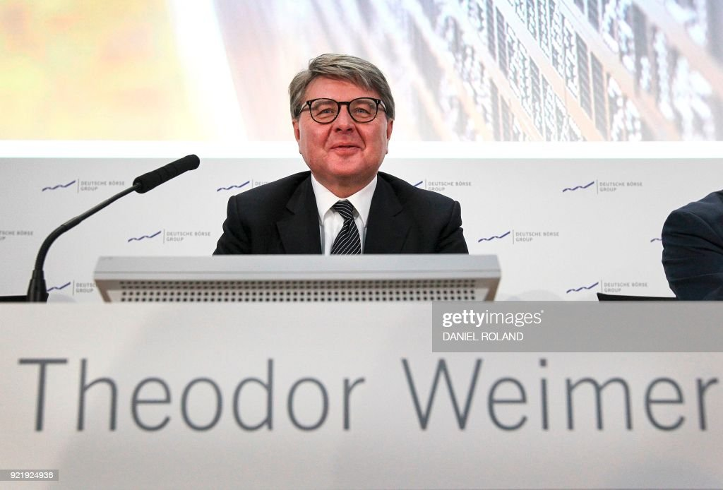 Theodor Weimer, CEO of German stocks operator Deutsche Boerse, addresses the media during the company's annual financial statement at the stock exchange in Frankfurt, Germany, on February 21, 2018. / AFP PHOTO / Daniel ROLAND