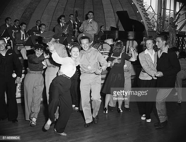 6/11/1944JAM SESSION There is even a corner for the hepcats at Steeplechase Park Hot bands make with the boogeywoogie here while the boys and gals...