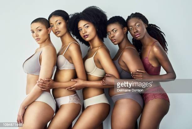 não há não há uma maneira de ser bela - melanina - fotografias e filmes do acervo