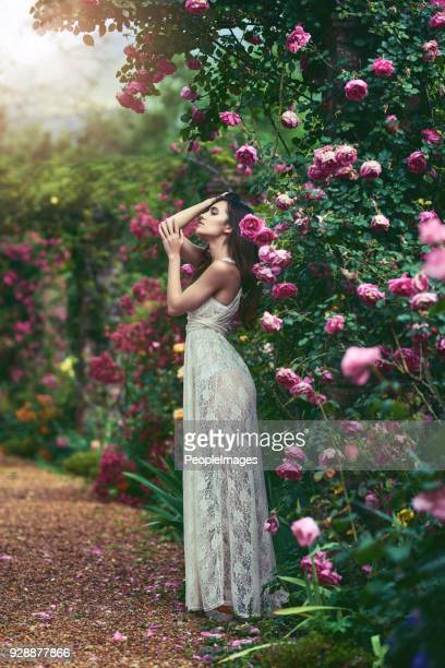 there is utter beauty in embracing your femininity - venus roman goddess stock pictures, royalty-free photos & images