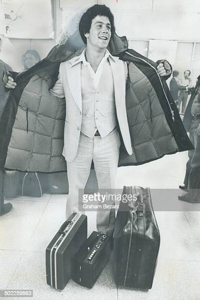 There was not one overcoat among the 25 Toronto Blue Jays who arrived last night for their opening game Thursday at Exhibition Stadium And they were...