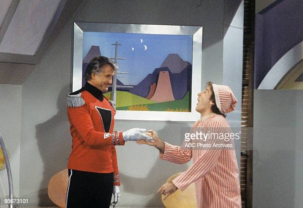 MORK MINDY There's a New Mork in Town 2/12/81 Lyle Waggoner Robin Williams