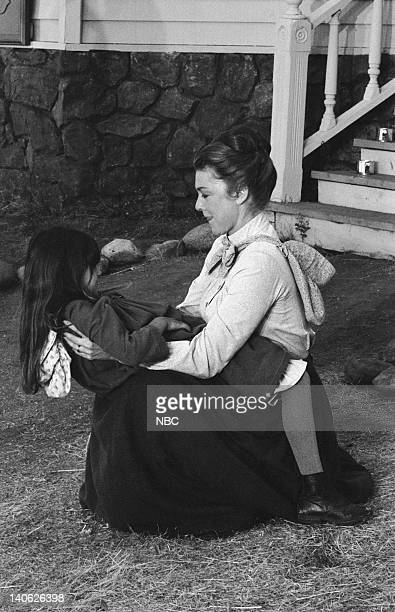PRAIRIE There's No Place Like Home Part 1 Episode 5 Aired 10/9/78 Pictured Lindsay and Sydney Greenbush as Carrie Ingalls Karen Grassle as Caroline...