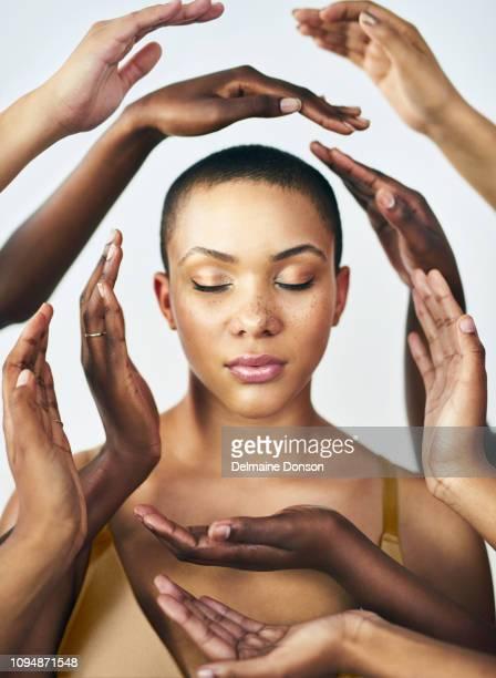 não há nenhum início ao ciclo de vida sem as mulheres - melanina - fotografias e filmes do acervo