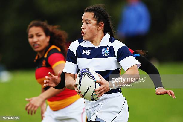 Theresa Fitzpatrick of Auckland makes a break during the Women's Provincial Championship Semi Final between Auckland and Waikato at Auckland...