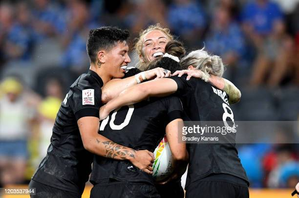 Theresa Fitzpatrick of New Zealand is congratulated by team mates after scoring a try during the 2020 Sydney Sevens Women's Finals match between New...