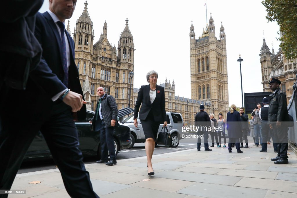 U.K. PM Theresa May To Set Out Brexit Options To Divided Team : Nachrichtenfoto