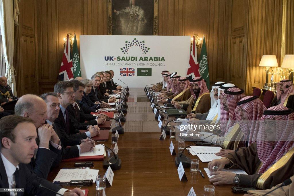 Saudi Arabia Crown Prince Mohammed Bin Salman Visits U.K. Prime Minister : Foto di attualità