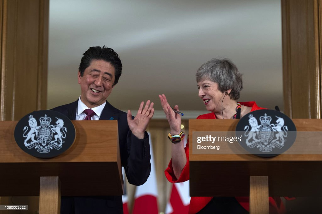 U.K. PM Theresa May Hosts Japanese PM Shinzo Abe : News Photo