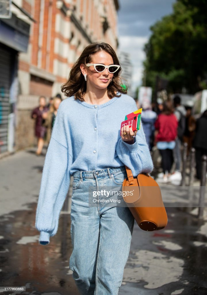Street Style : Paris Fashion Week - Womenswear Spring Summer 2020 : Day Five : Photo d'actualité