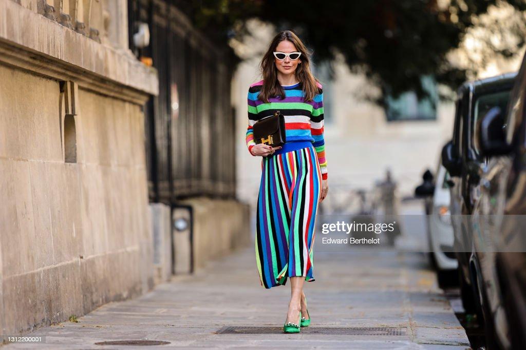 Fashion Photo Session In Paris - April 2021 : Photo d'actualité