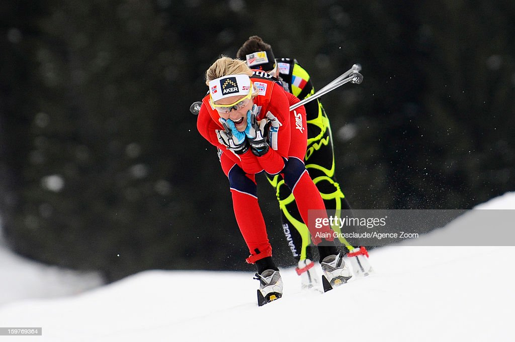 Therese Johaug of Norway on their way to winning 1st place during the FIS Cross-Country World Cup Women's Relay Start on January 20, 2013 in La Clusaz, France.