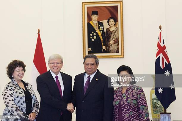 Therese Rein Australian Prime Minister Kevin Rudd Indonesian President Susilo Bambang Yudhoyono and his wife Kristiani Herawati pose at Bogor...