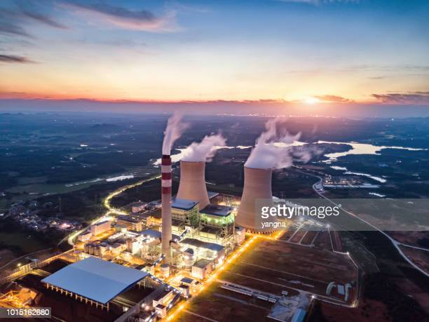 thermal power station - energieindustrie stock-fotos und bilder