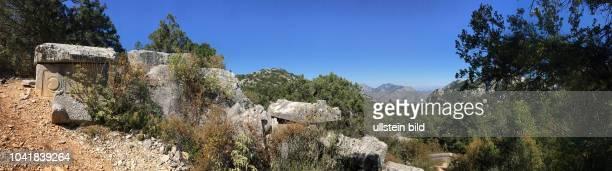 Thermessos Termessos war eine antike Stadt deren Ruinen 30km Nordöstlich von Antalya zu finden sind Eingebettet in den Güllük Dagi Termessos...