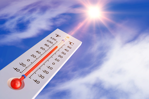 thermometer and sun 905564552