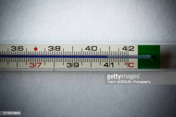 thermometer at 40°c - celsius stock pictures, royalty-free photos & images
